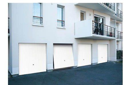 Maxi menuiserie pour tous vos travaux de menuiserie - Combien coute une porte de garage ...